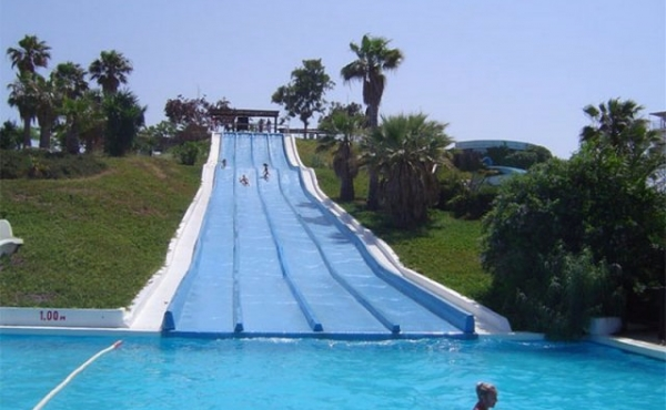 ea_Aquapolis_Water_Park_419835873