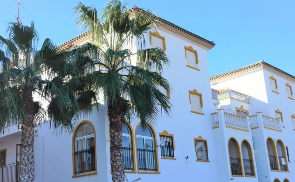 La Zenia 2 Bed First Floor Apartment